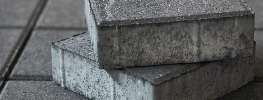 Robot automatiserer pakning af betonfliser